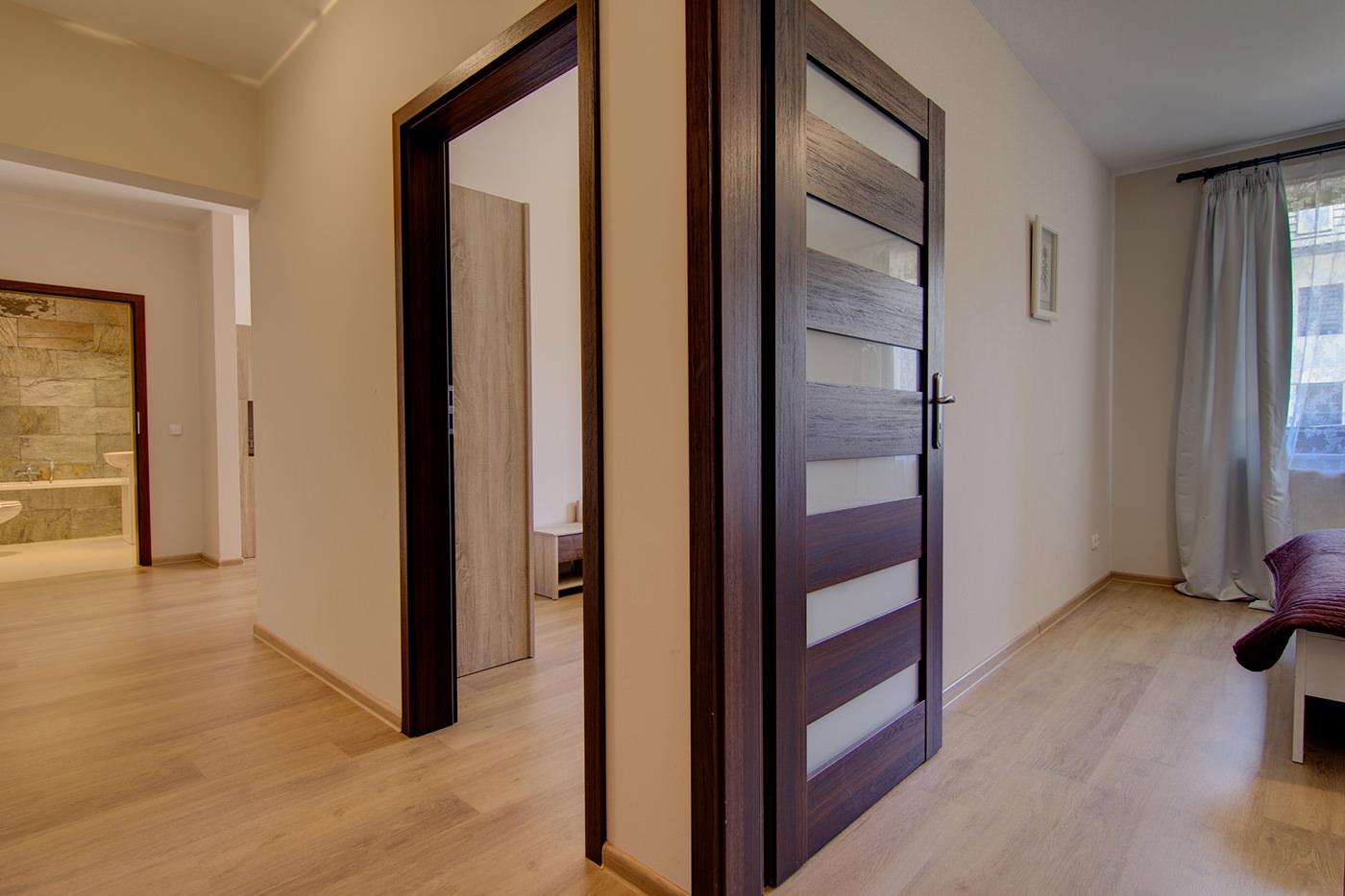 Где приобрести межкомнатные двери
